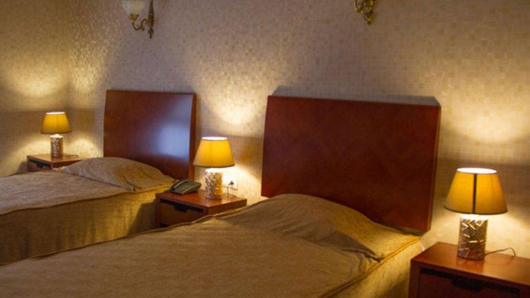 هتل پارس کاروانسرا آبادان اتاق دو تخته تویین لوکس