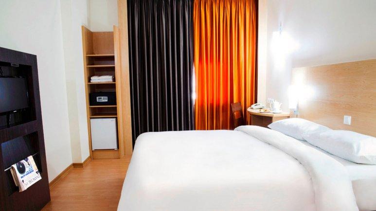 اتاق ویژه معلولین هتل ایبیس فرودگاه امام