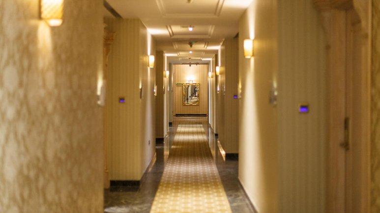 هتل اسپیناس پالاس بهرود تهران فضای داخلی هتل