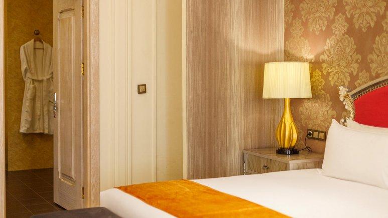 هتل اسپیناس پالاس بهرود تهران فضای داخلی اتاق ها 8