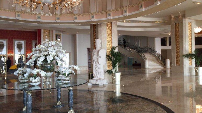 لابی هتل اسپیناس پالاس بهرود