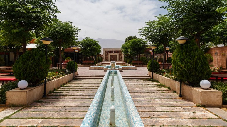 هتل خانه رز کاشان فضای بیرونی هتل 1