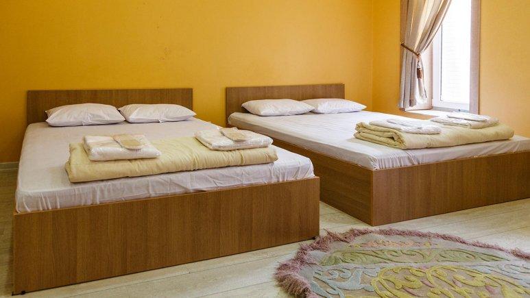 هتل خانه رز کاشان اتاق چهارتخته 2