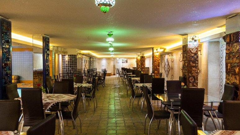 رستوران  و سفره خانه سنتی هتل جلفا