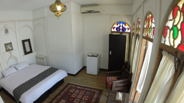 اتاق دو تخته دبل هتل سنتی عتیق