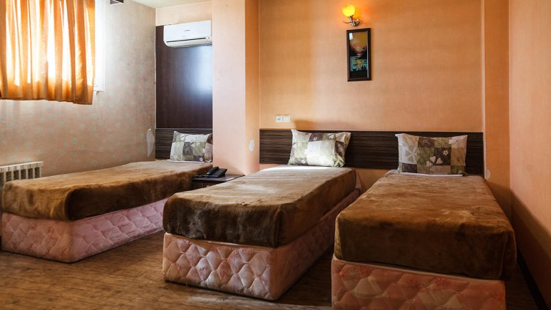 هتل صبا اصفهان اتاق سه تخته 2