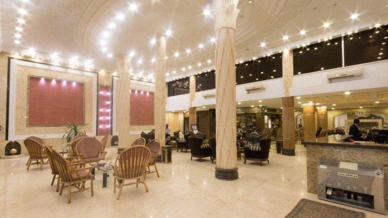 هتل باباطاهر همدان لابی 3