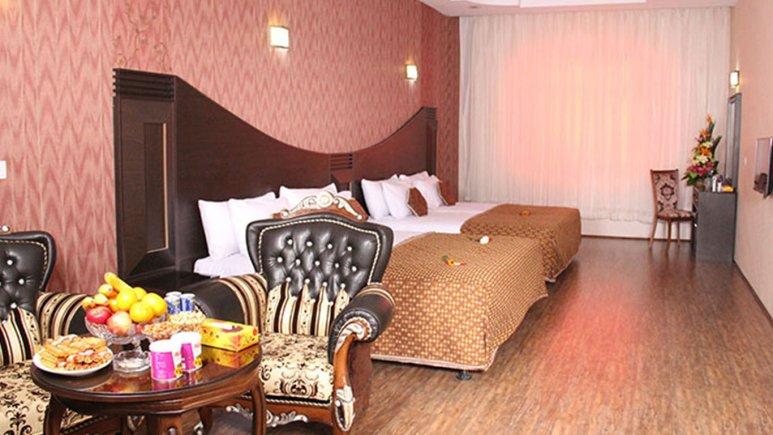هتل باباطاهر همدان اتاق چهار تخته 1