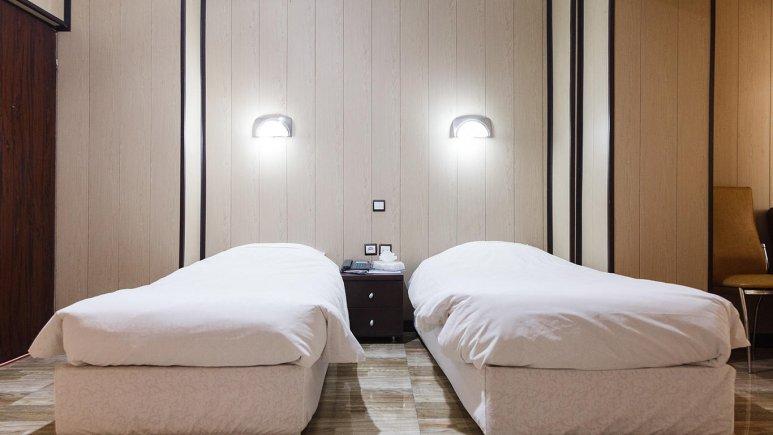 هتل حافظ تهران اتاق دو تخته تویین