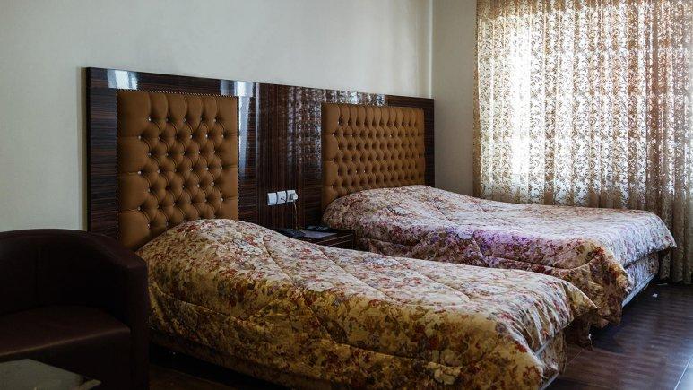 هتل حافظ تهران اتاق سه تخته 1