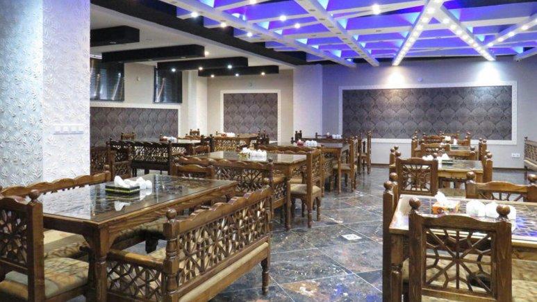 هتل آپارتمان کوروش کرمانشاه رستوران 4