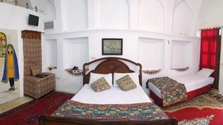 هتل سنتی نگین کاشان اتاق چهار تخته زمرد