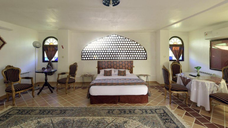 هتل سنتی نگین کاشان اتاق دو تخته نگارخانه VIP