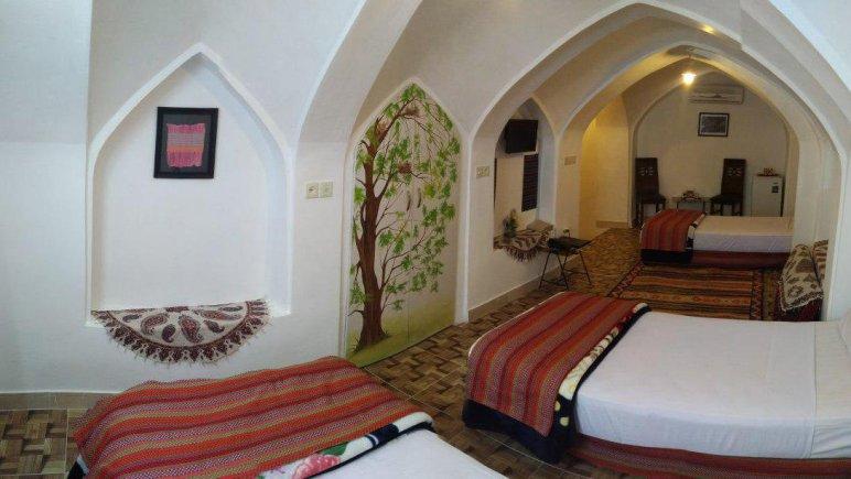 هتل سنتی نگین کاشان اتاق سه تخته بالاخانه