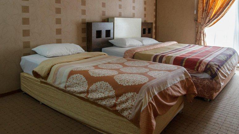 هتل فرهنگ و هنر مشهد اتاق سه تخته 1