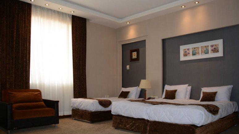 هتل زنبق یزد اتاق سه تخته 4