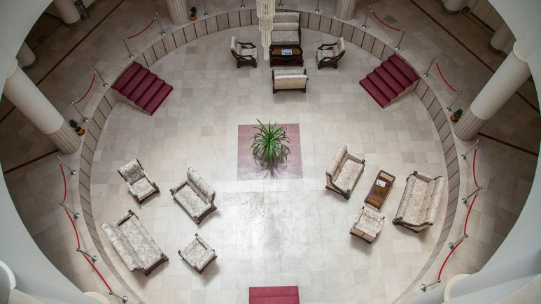 هتل زنبق یزد فضای داخلی هتل 2