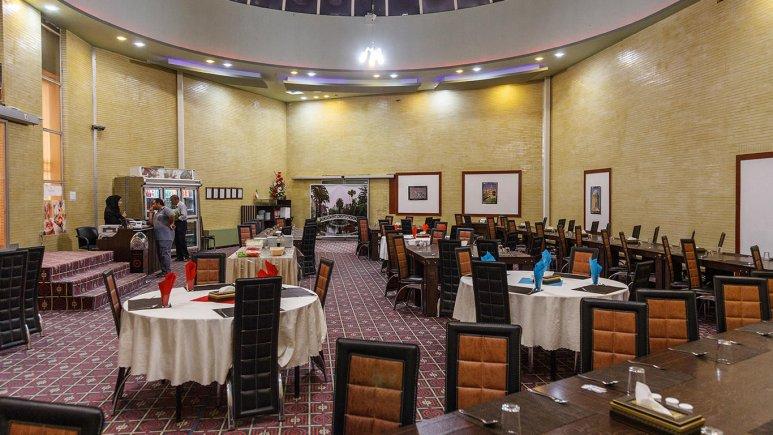 هتل زنبق یزد رستوران