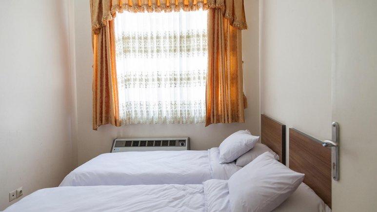 هتل زنبق یزد اتاق دو تخته تویین