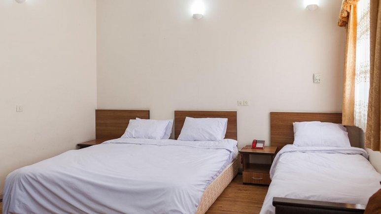 هتل زنبق یزد اتاق سه تخته 1