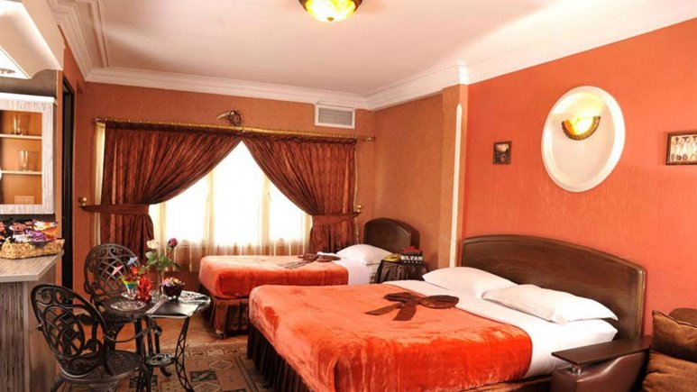 نمایی از اتاق سه تخته هتل الیان