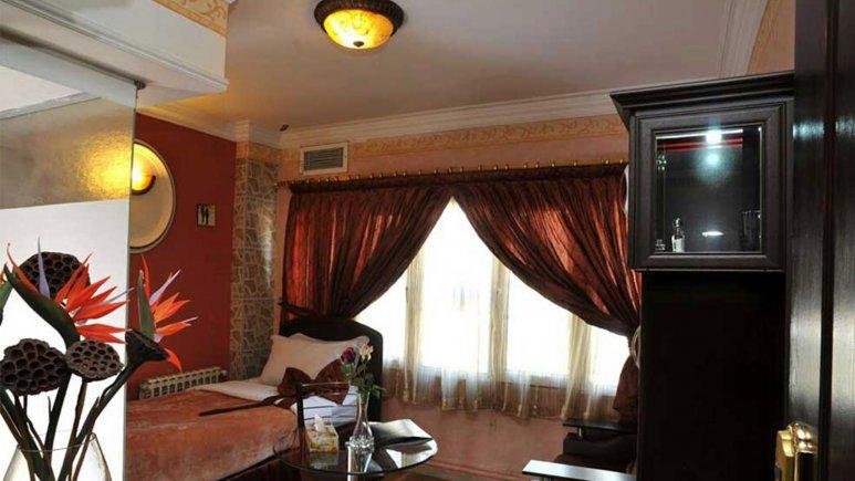 نمایی از اتاق هتل الیان