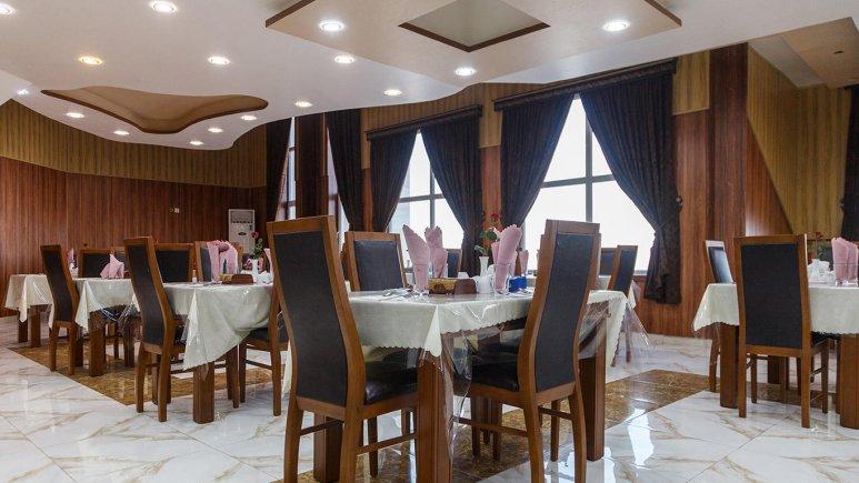 هتل ارم قشم رستوران 2