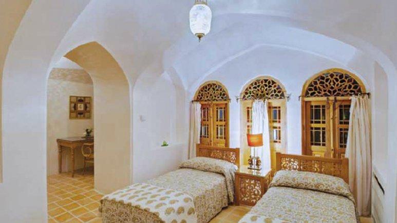 اتاق دو تخته هتل سنتی منوچهری