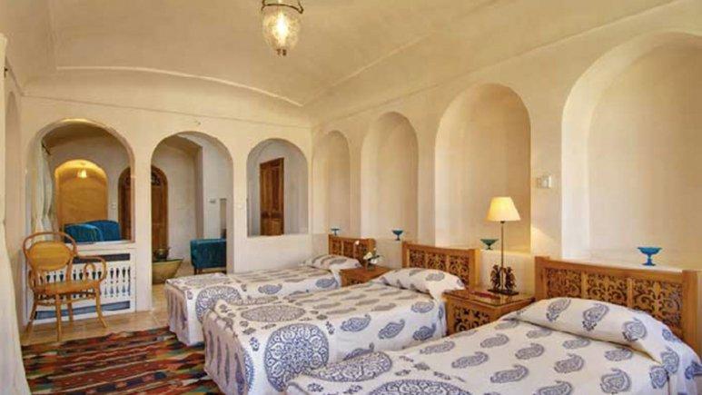اتاق سه تخته هتل سنتی منوچهری