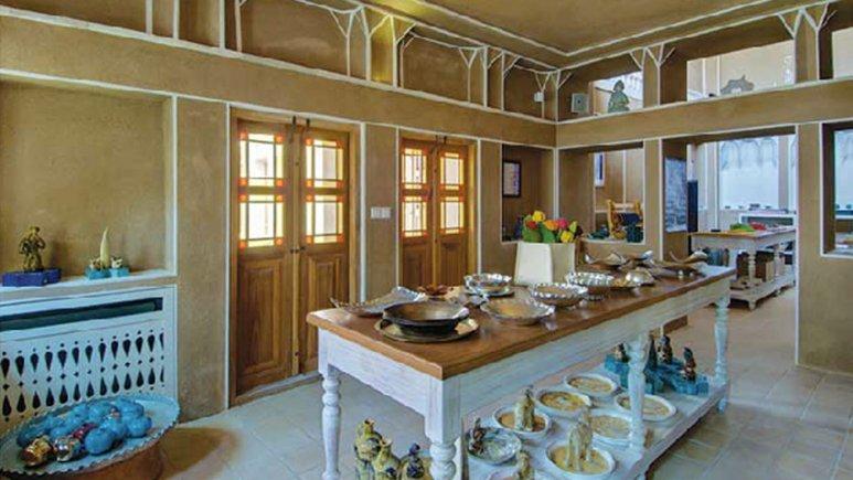 فروشگاه هتل سنتی منوچهری