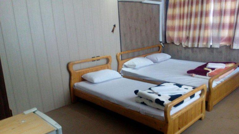 اتاق سه تخته هتل صحرا