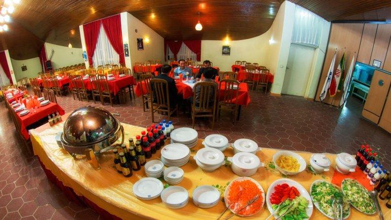 رستوران هتل جهانگردی تاکستان