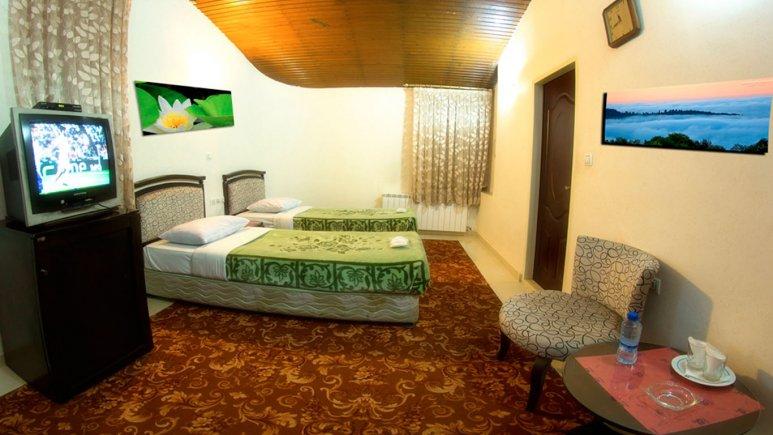 اتاق دو تخته تویین هتل جهانگردی تاکستان