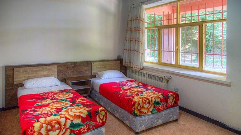 اتاق دو تخته تویین هتل جهانگردی چالوس