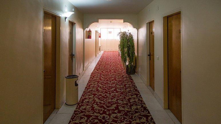 راهروی هتل جهانگردی بسطام