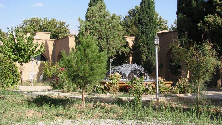 هتل جهانگردی ماهان کرمان فضای بیرونی هتل 1