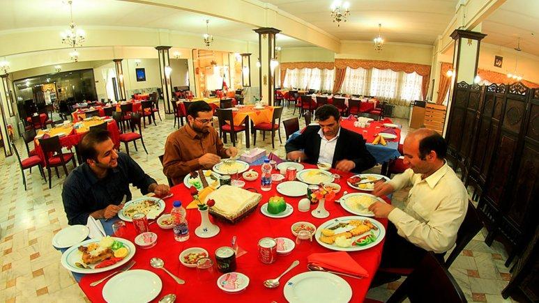 رستوران هتل جهانگردی زنجان