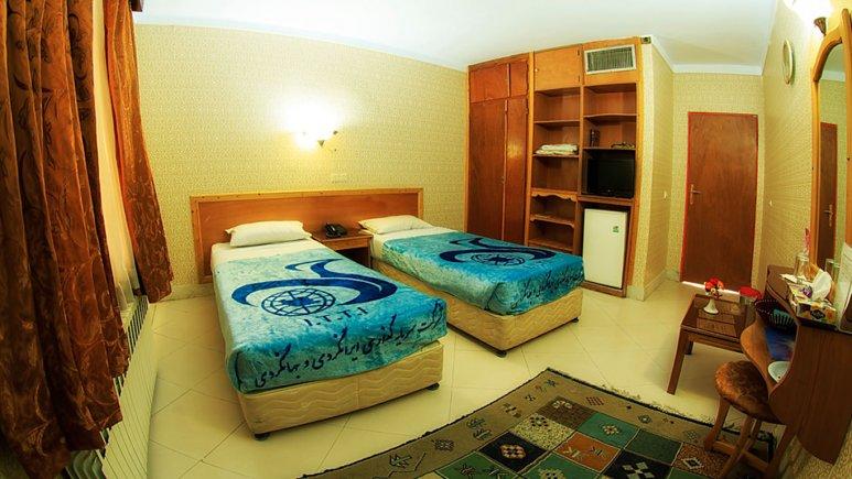اتاق دو تخته تویین هتل جهانگردی زنجان