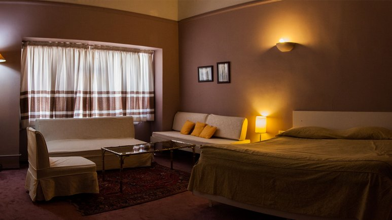 رزرو هتل دو ستاره در تهران | هتل قناری