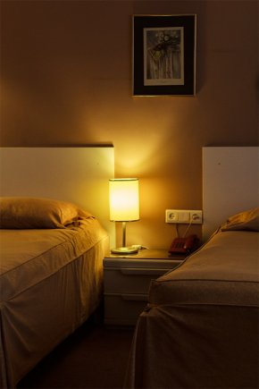 اتاق دو تخته تویین هتل قناری