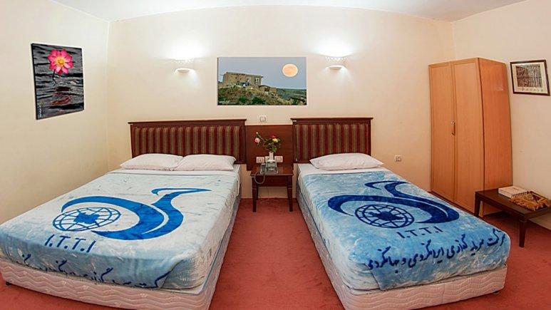 اتاق سه تخته هتل جهانگردی سراب
