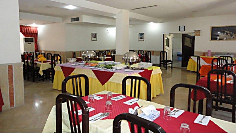 رستوران هتل جهانگردی فیروزآباد