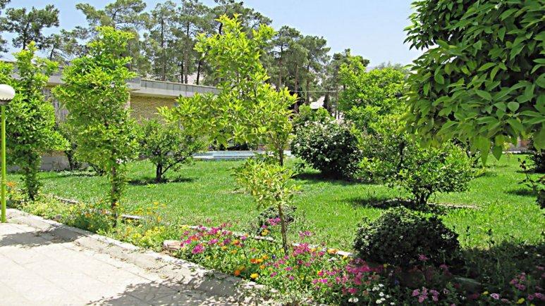 نمای بیرونی هتل جهانگردی فیروزآباد