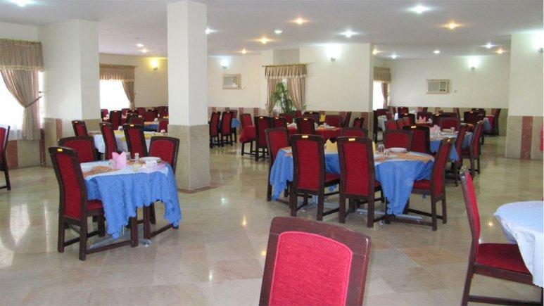 رستوران  هتل جهانگردی لار