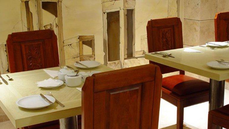 رستوران هتل آپارتمان آبتین