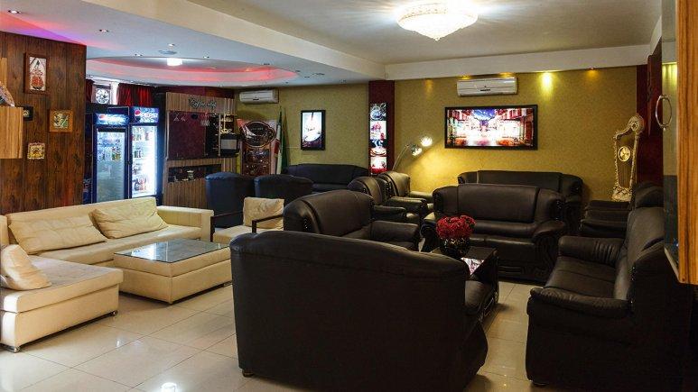 هتل آپارتمان آرین شیراز لابی