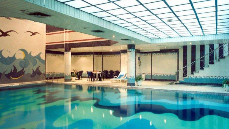 هتل سیمرغ تهران استخر 2