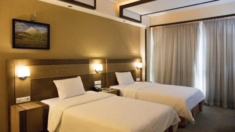 هتل سیمرغ تهران اتاق دو تخته تویین 2