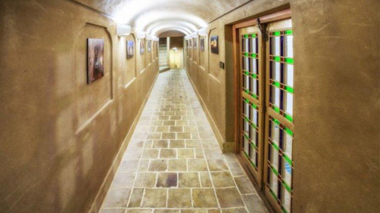 راهروی هتل حاج ملک