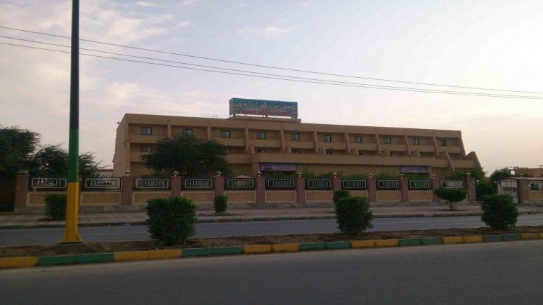 نمای بیرونی هتل آزادی ماهشهر